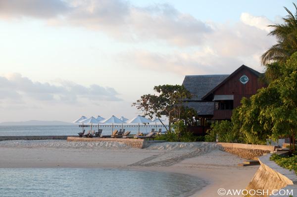Awoosh.Wakatobi.resort.2